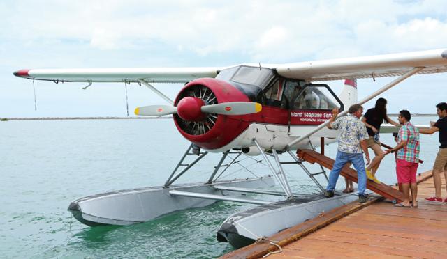 ワイキキもノースショアも見下ろせる優越感は格別!水上飛行機のバーチャル体験、してみない?