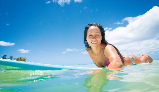 人気ロコサーファー・アンジェラさん的ハワイの海を120%楽しむ、ツウな遊び方