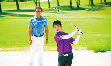 ミシェル・ウィーを指導したコーチも!<br /> 親子でプロレッスン付きのゴルフラウンド