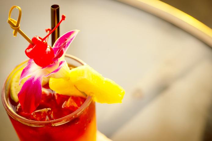 ホテルバー特集 Beach Bar モアナ・サーフライダー