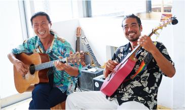 海を感じるアーティスト「SIDE-SLIDE」の<br />ハワイアンミュージックで4分間のブレイクを