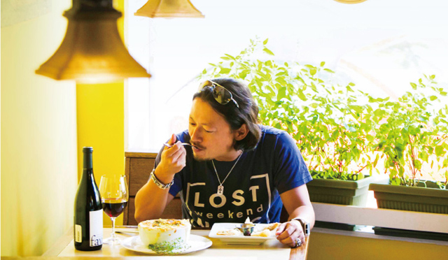 """本田直之目線の""""今旨いハワイ"""" [1]「絶品ビストロは好きなワインを持ちこんで楽しむべし」"""