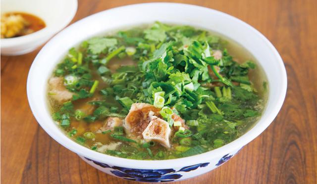 帰国前、お疲れの胃に。オックステールスープの美味しい食べ方。