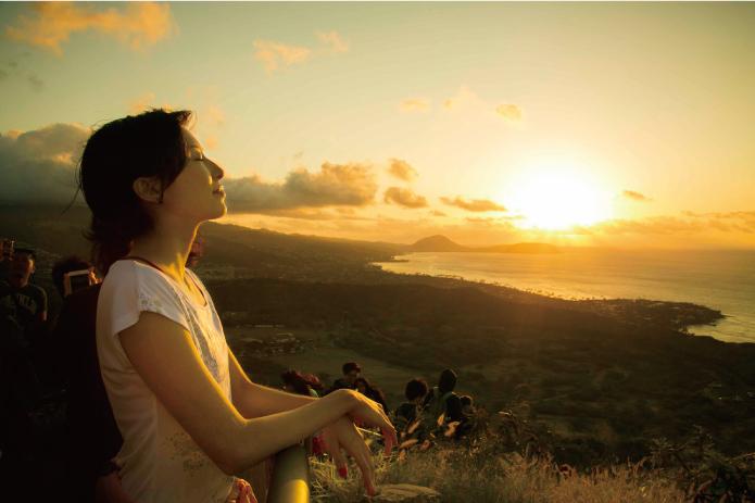 ワイキキで朝時間を最大限楽しむ方法って?【1】ダイヤモンドヘッド頂上からサンライズ鑑賞!
