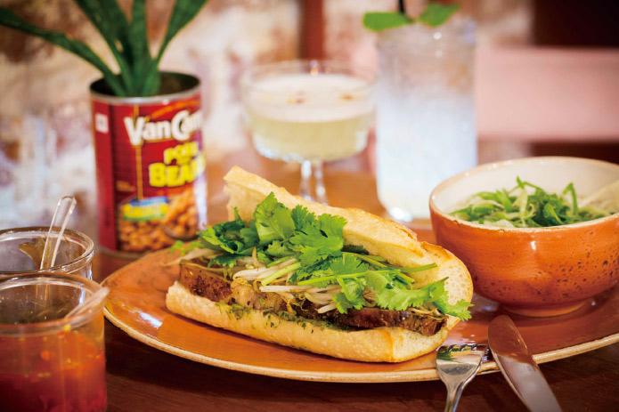 バゲット×煮豚×パクチー!?ハワイ最先端サンドウィッチはコレ!
