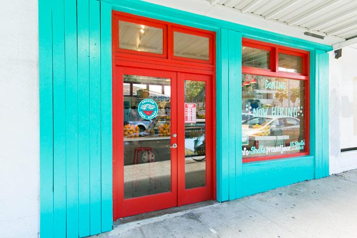 ハワイのキレイになれるドリンクならコレ!話題のコールドプレスジューススタンドがオープン。
