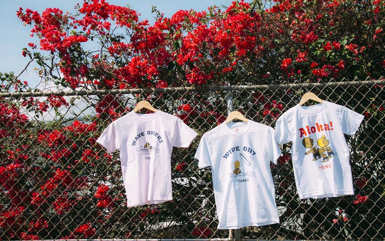 """「モヤさま」でさまぁ~ずも着ていた!<br />限定""""日焼け""""スヌーピーのTシャツをプレゼント!"""