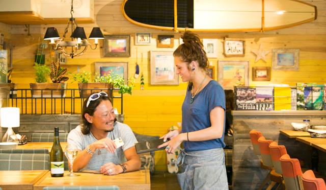 世界を旅する本田直之の「ハワイでカードを使う5つの理由」