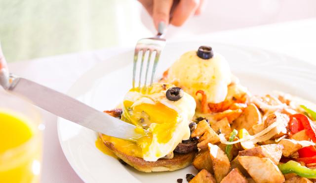 とろっとろ卵の誘惑には勝てない!パーフェクトビューで楽しむホテルのエッグベネディクト4