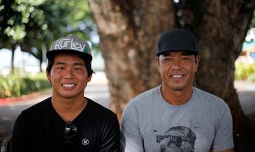 ハワイ在住の19歳日本人がサーフィン世界一に。<br />その素顔を独占インタビュー!
