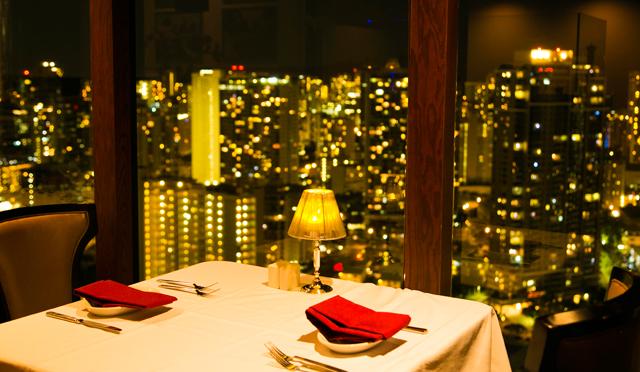 通は金曜の花火を上から見下ろす!穴場の絶景レストランはどこ?