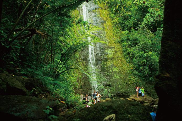 ハワイでともに過ごした祖母への想いを歌に……。聴く者を涙させるサーフ系シンガー・ChiyoTia