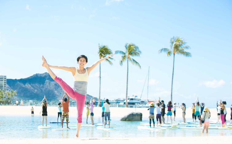 今年のハワイ旅行は、<br />吉川めいさんと行くヨガリトリートツアーがおすすめ!
