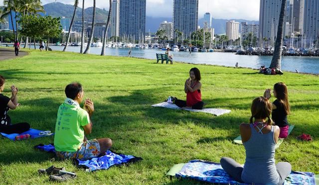 ハワイの朝はストレッチで気分爽快!心も身体も整う「ライフワークストレッチ in ハワイ」