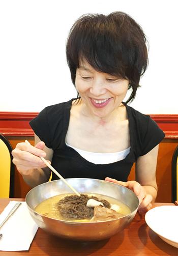 栗原はるみさん直伝レシピ[8] あのハワイアン冷麺の味を再現